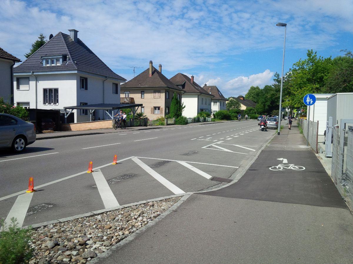 Überleitung Schutzstreifen Geh-und Radweg Grenzach-Wyhlen B34