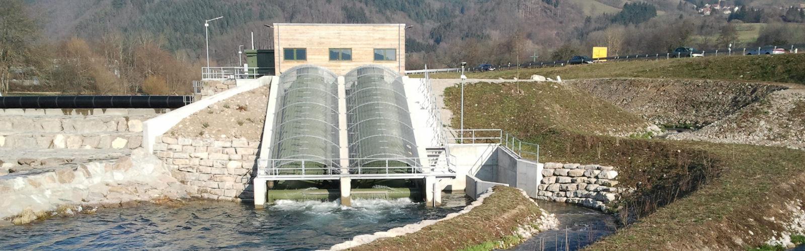 Wasserkraftwerk Hausen mit 2 Wasserkraft-Schnecken