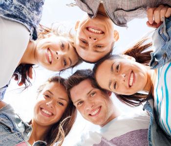 """Tag des Bürgerengagements unter dem Motto """"Ich + Du = Wir"""", jung und engagiert"""