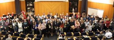 Neubürgerinnen und Neubürger mit Angehörigen und Landrätin Marion Dammann bei der Einbürgerungsfeier 20. Dezember im Landratsamt Lörrach Foto: Landratsamt Lörrach