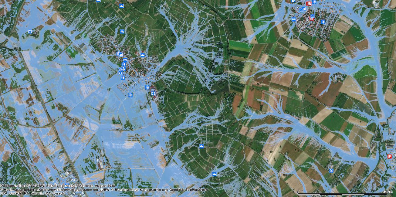 Unter www.loerrach-landkreis.de/geoportal stehen Bürgern Starkregen-Gefahrenkarten für das Markgräflerland zur Verfügung – hier beispielhaft das Szenario mit extremer Überflutungsausdehnung in Fischingen in Luftbild-Ansicht