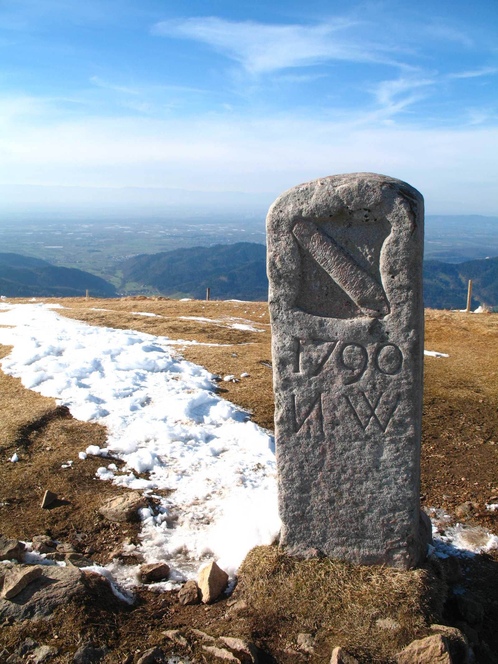 Grenzstein auf dem Belchengipfel. Foto: Kreisarchiv, Landratsamt Lörrach