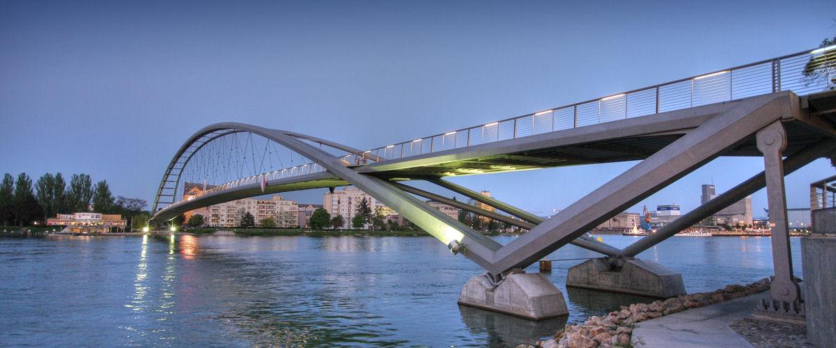 Dreiländerbrücke am Abend, Foto: Oliver Welti