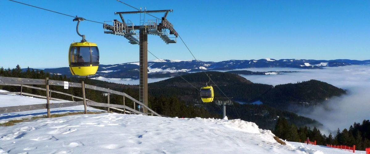 Gondel für Skifahrer bei der Gemeinde Aitern
