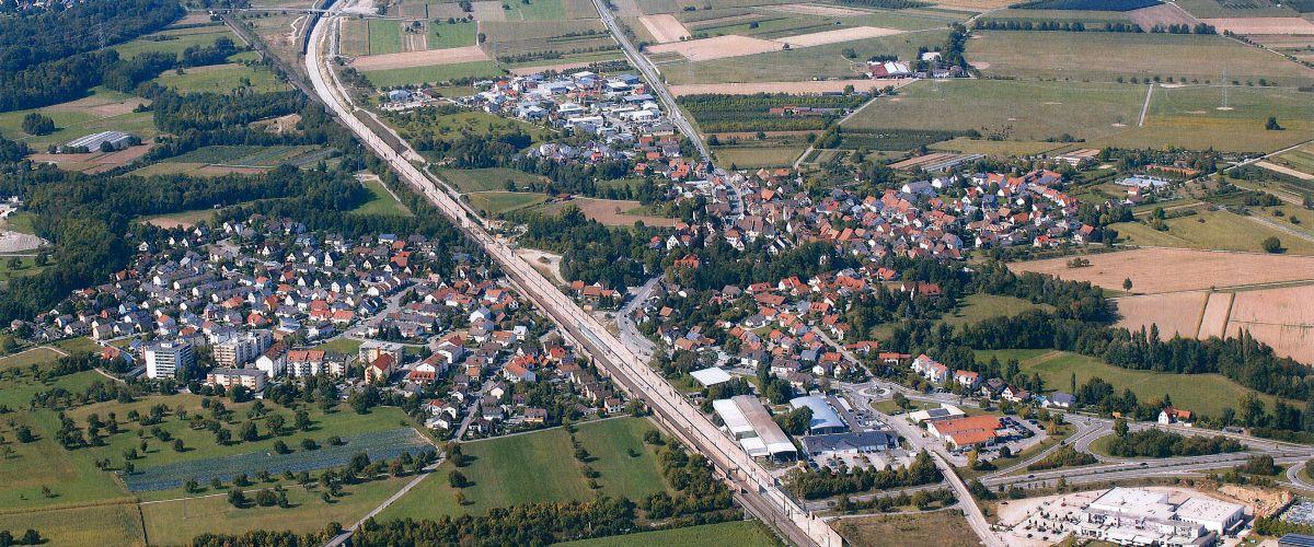 Luftbildaufnahme der Gemeinde Eimeldingen