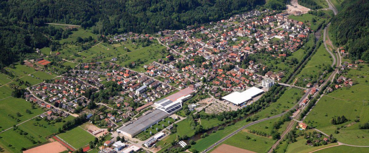 Luftbildaufnahme der Gemeinde Hausen im Wiesental