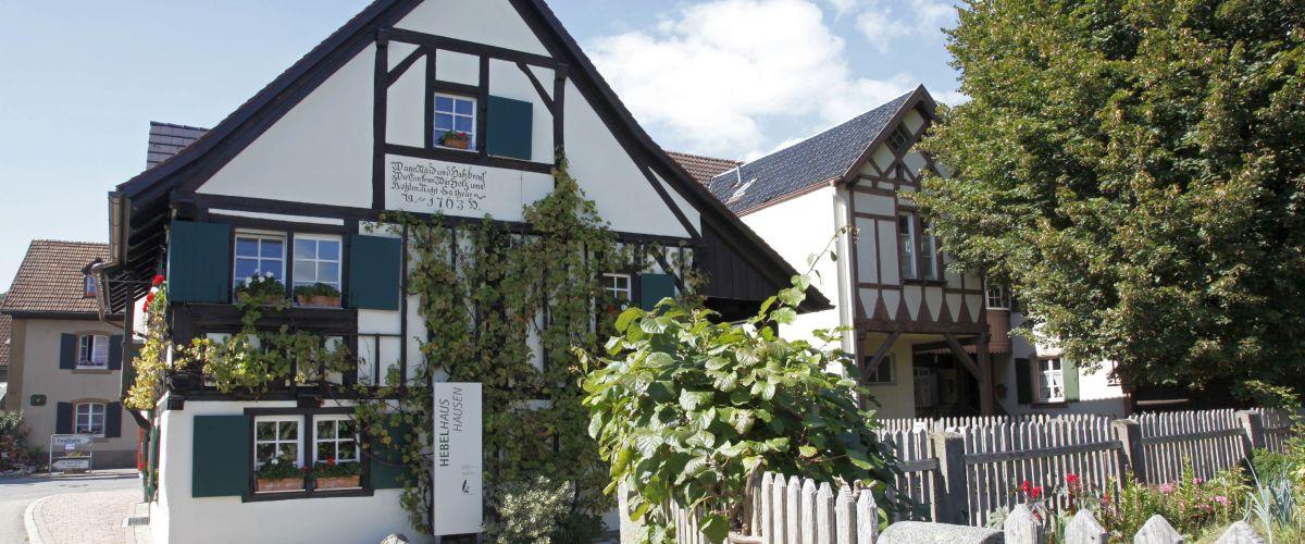 Das Hebelhaus in Hausen im Wiesental beherbergt das Heimatmuseum der Gemeinde sowie ein Literaturmuseum für den Dichter und Schriftsteller Johann Peter Hebel, der hier einen Teil seiner Kindheit verbrachte.