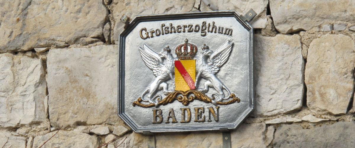Erinnerungstafel Großherzogtum Baden: Replikat an Neubau, Ötlingen (Weil am Rhein)