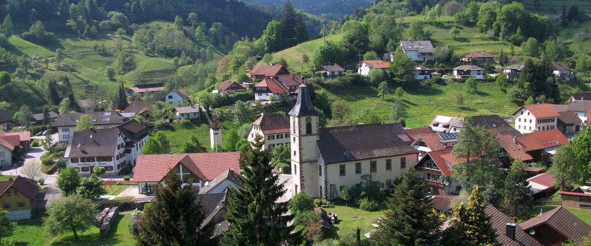 Wies Dorf mit Kirche