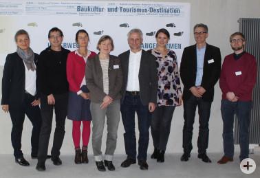 Freuen sich über die Wahl zum Modellvorhaben Südschwarzwald (v. l. n. r.): Martina Lei-cher, Frank Pflüger, Anne Keßler, Tina Hörmann, Gerhard Zickenheiner, Christina Schanz, Lars Porsche und Gordon Stolzenbach.