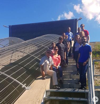 Das Energieteam des Landratsamtes bei der Wasserkraftanlage in Hausen, Exkursion im Rahmen des Klimaschutzkonzeptes zur Bewertung von Maßnahmenvorschlägen