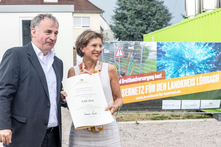 Ministerialdirektor Stefan Krebs und Landrätin Marion Dammann
