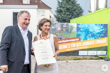 Übergabe der Förderbescheide für Glasfaserprojekte im Landkreis Lörrach