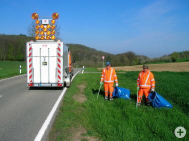 Mitarbeiter der Straßenmeistereien im Einsatz für einen sauberen Landkreis