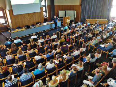 Der Vortrag zum Thema Nichtveränderung lockte zahlreiche Gäste aus psychologischen und sozialen Berufsfeldern aus ganz Baden-Württemberg und der Schweiz zum Fachtag ins Landratsamt Lörrach.