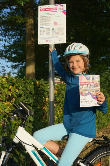 """Eine der Stationstafeln der Route """"Lörrach mit Kindern entdecken"""" ©Landratsamt Lörrach"""