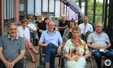 Pensionäre mit Landrätin Marion Dammann und Vertretern aus Personalrat und Verwaltungsspitze