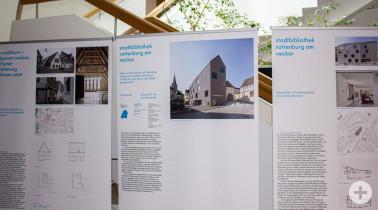 Ab heute im Landratsamt Lörrach zu besichtigen: Die Ausstellung zum Staatspreis Baukultur.